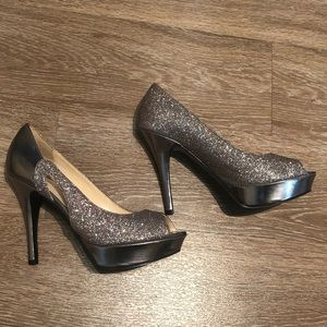 Marc Fisher Metallic Pumps